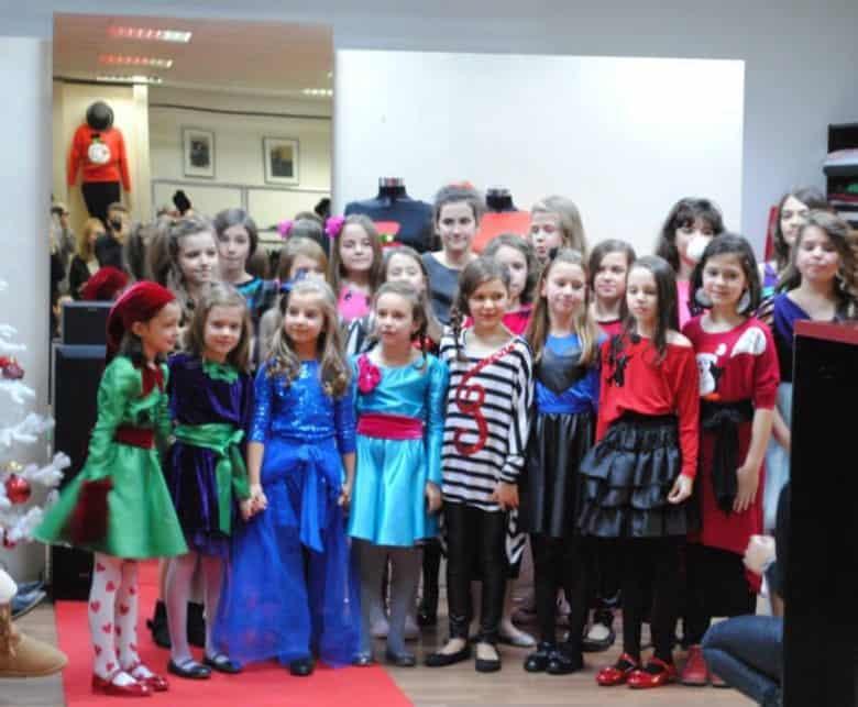 Curs de design vestimentar pentru copii – 24 septembrie 2016